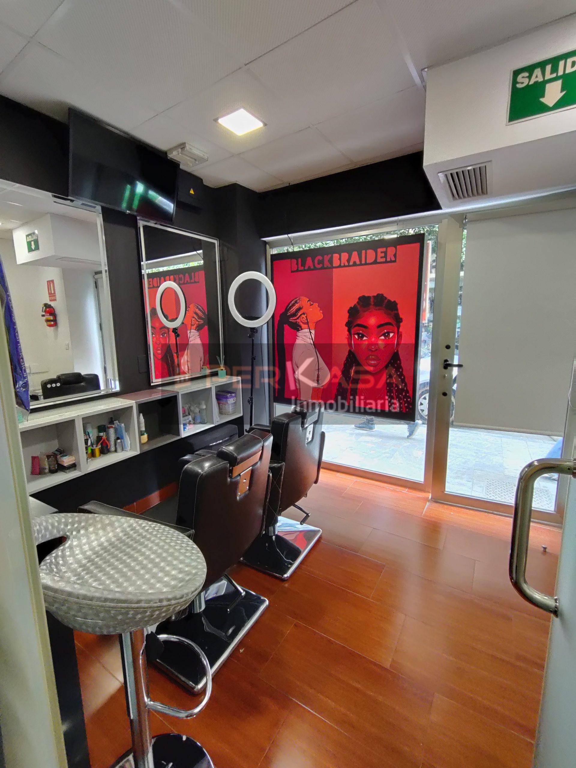 Local reformado calle Sagasta, preparado para peluquería ( no incluye mobiliario)
